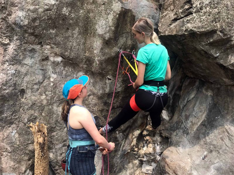 Lead Belay & Cleaning Anchors - Chiang Mai Rock Climbing