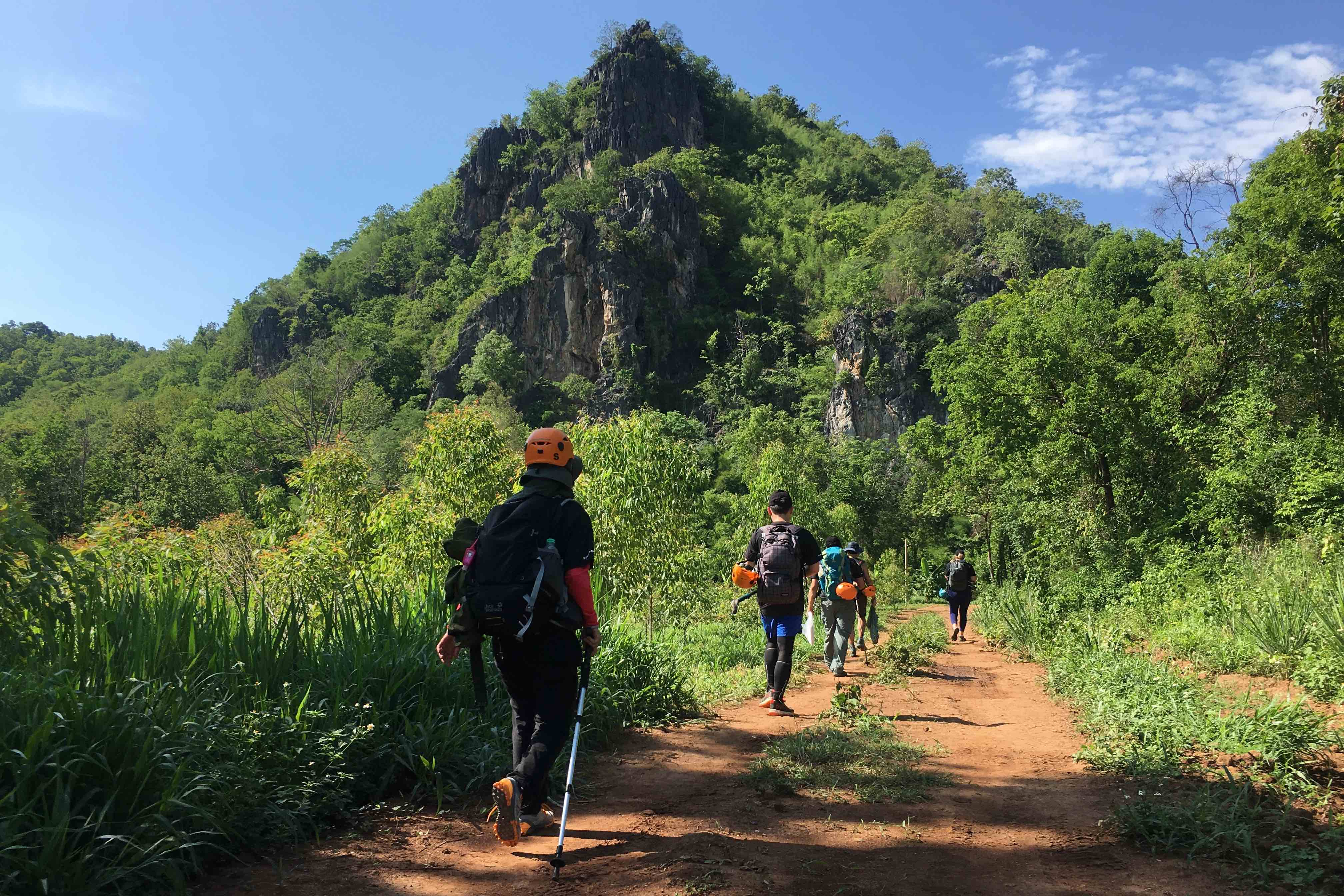 Trekking and Culture in Mae On